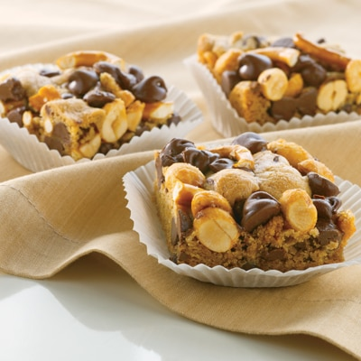 Chocolatey Peanut Pretzel Bars